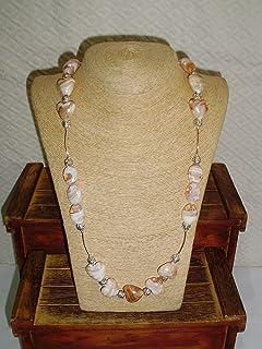 Collar de murano en forma de corazón color champán y Plata. Medidas: 100 cm. abierto, 50 cm. cerrado.