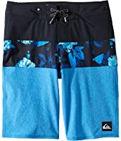 Quiksilver Kids - Panel Blocked Vee Youth 18 (Big Kids)