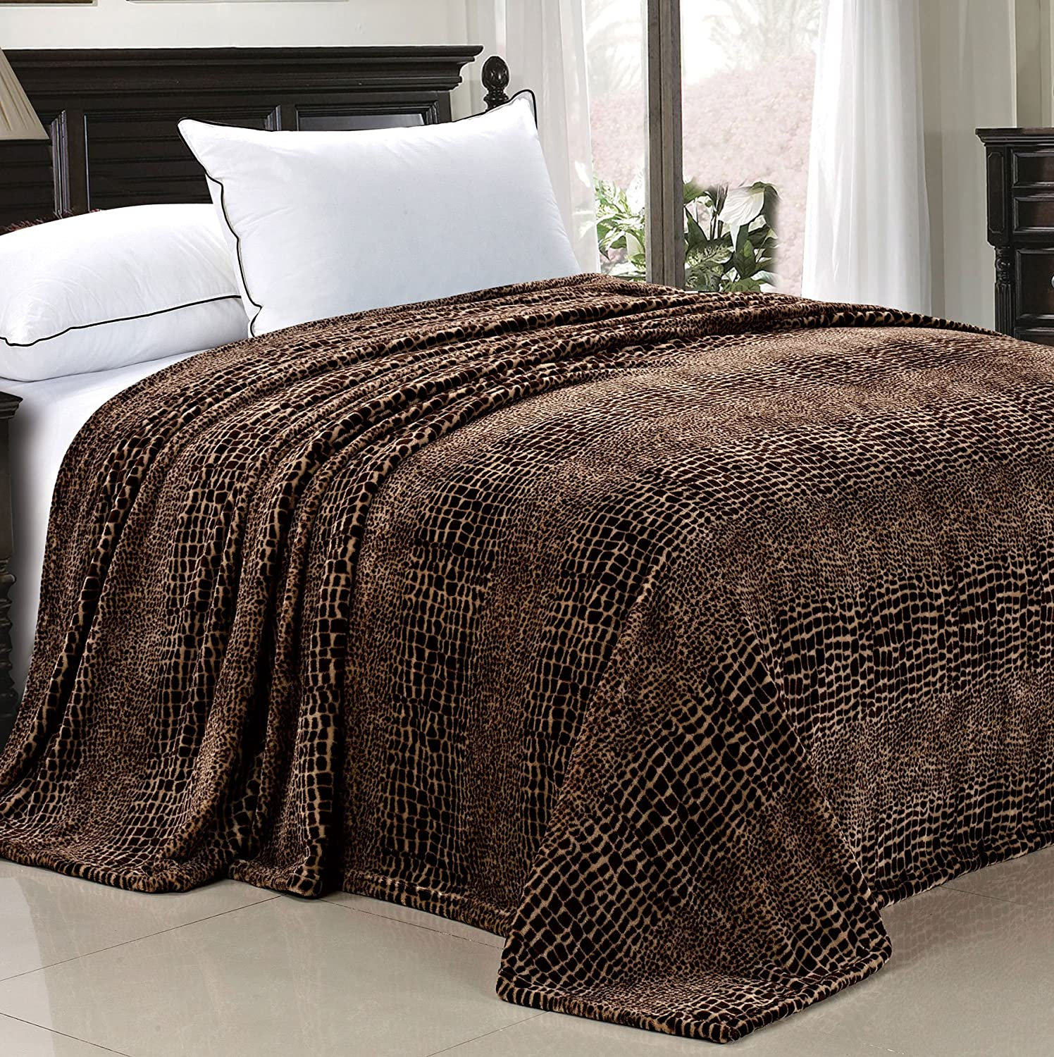 Colorado Max 90% OFF Springs Mall Home Soft Things Light Weight Chocolate Animal Safari Style Whit