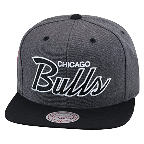 ba4b848ced3 Mitchell   Ness Chicago Bulls Snapback Hat Cap Dark Grey Heather Black  Script