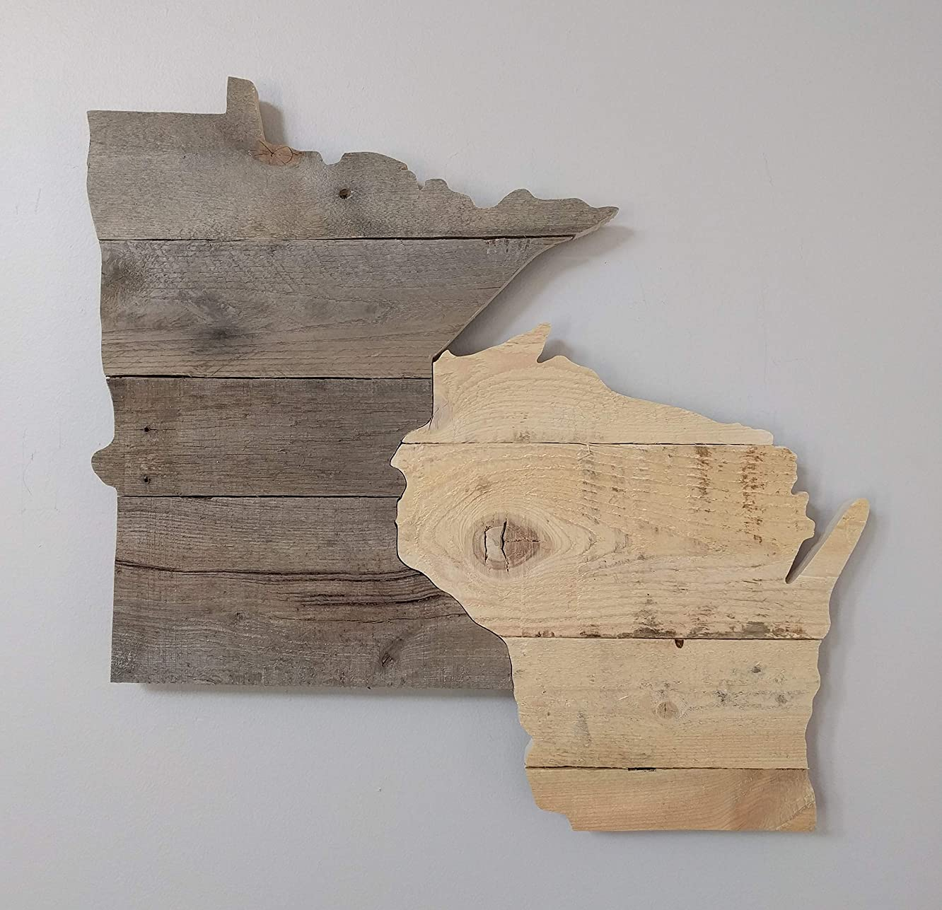 Pallet Board Minnesota Wisconsin to hang on the wall