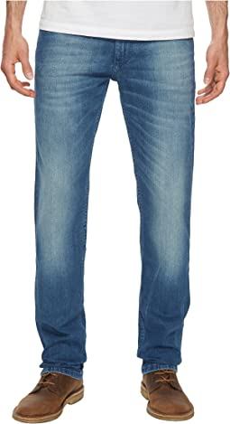 Tommy Jeans - Ryan Straight Fit Jeans in Berry Mid Blue Comfort