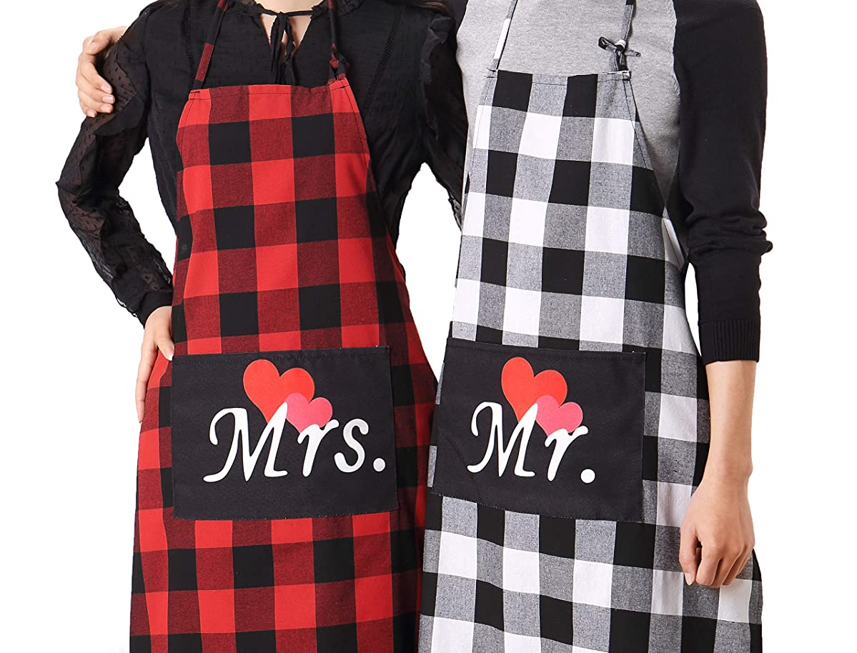 Mr. and Mrs. Plaid Matching Aprons-Couple Kitchen Baking Set-Personalized Cooking Bibs-Lumberjack Cotton Buffalo Check Pattern-Gift for Bridal Engagement Wedding Marriage Newlywed (Plaid Couple Set)