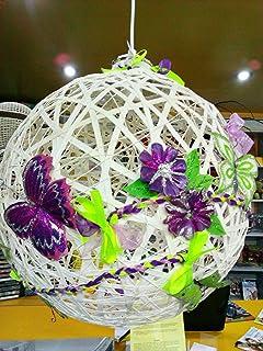 Lampadario a palla con farfalle e fiori