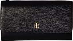 Tommy Hilfiger - The Serif Signature Pebble Leather Convertible Crossbody Wallet