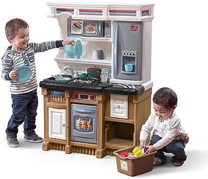 Cucina per bambini in plastica con molti pezzi inclusi