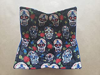 Roses and Skulls Microwave Bowl Cozy Día de Muertos Reversible Microwaveable Cozy Pot Holder Day of the Dead Bowl Holder Sugar Skulls Kitchen Linens Gifts Under 10 Handmade Hostess Gift