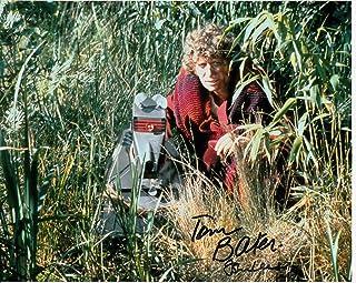 Firmar Dreams Autógrafos Tom Baker y John Leeson firmada en Color de 10 x 8 – Doctor Who – Monach of The Glen – Distribuidor 100% en Persona – Registrado #242