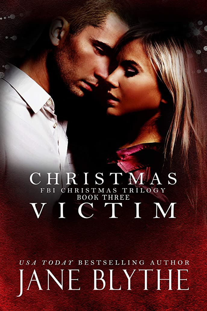 国民投票ストッキングライブChristmas Victim (Christmas Romantic Suspense Book 3) (English Edition)