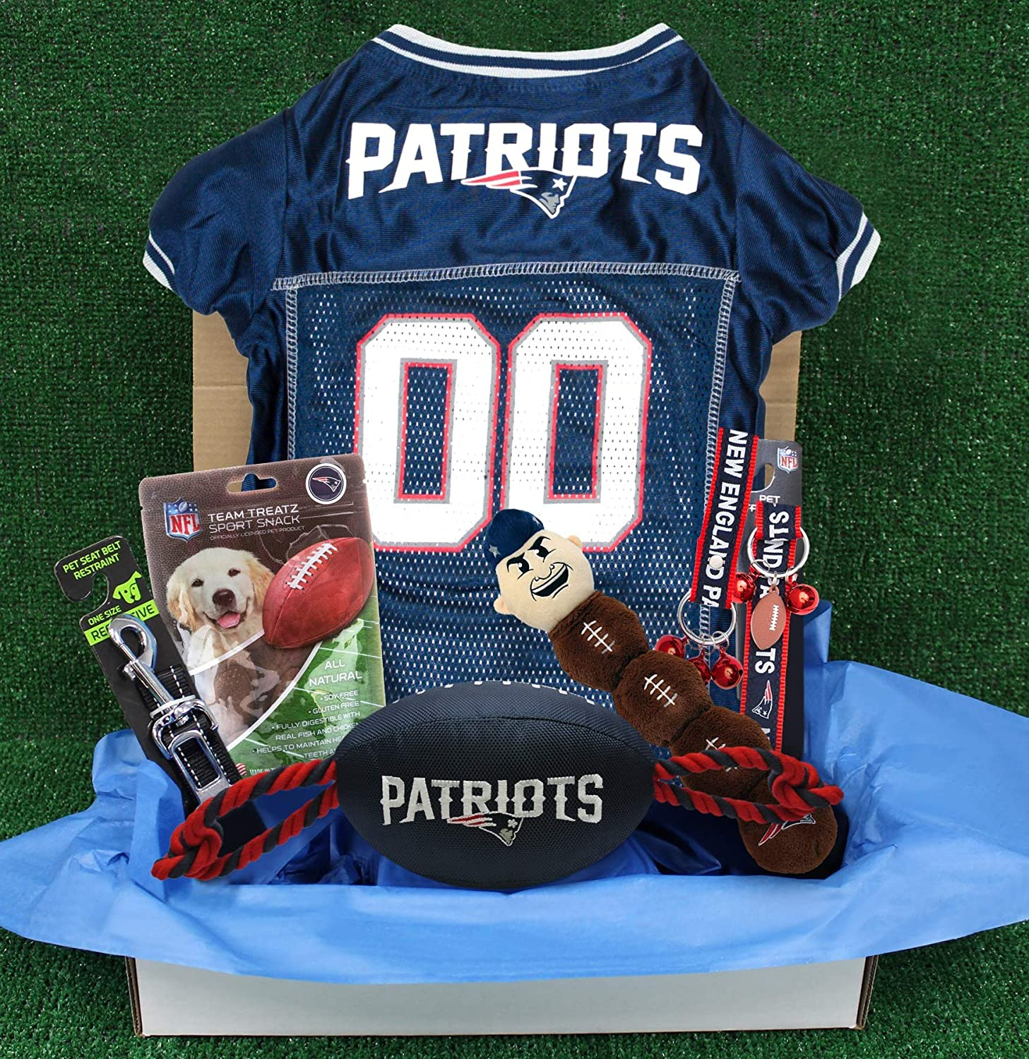 meet 64c4b aff48 NFL New England Patriots PET Gift Box with 2 Licensed Dog ...