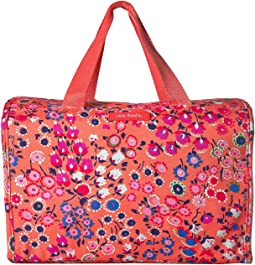 Vera Bradley Luggage - Lighten Up Hanging Travel Organizer