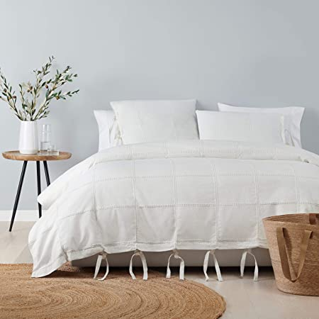 Amazon Com Ugg Cortina Pillow Sham Snow King Home Kitchen