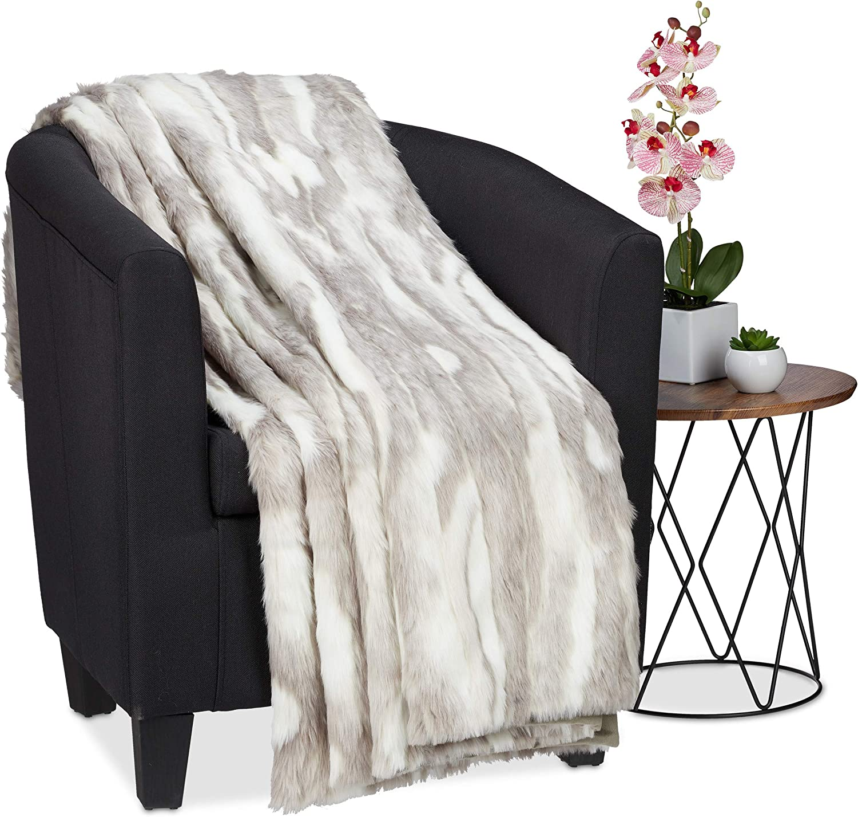 Relaxdays Kuscheldecke in Felloptik, warme & weiche Couchdecke aus Webpelz, waschbar, Flauschdecke, 220x240cm, grau-wei