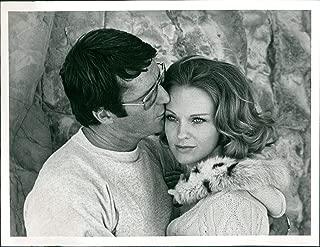 Vintage Photos 1975 Press Photo Actor Don Galloway Angel Tompkins Lie Deep Love Celebrity 7X9