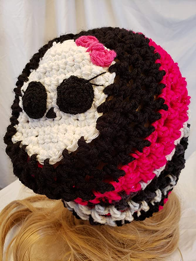 Crochet Skull hat. Made By Gentree On AMAZON.