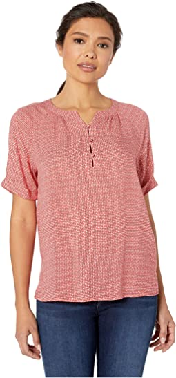 5192ac2380834a Women s TWO by Vince Camuto Shirts   Tops + FREE SHIPPING