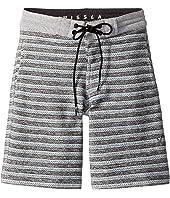 Sofa Surfer Lounger Fleece Shorts (Big Kids)