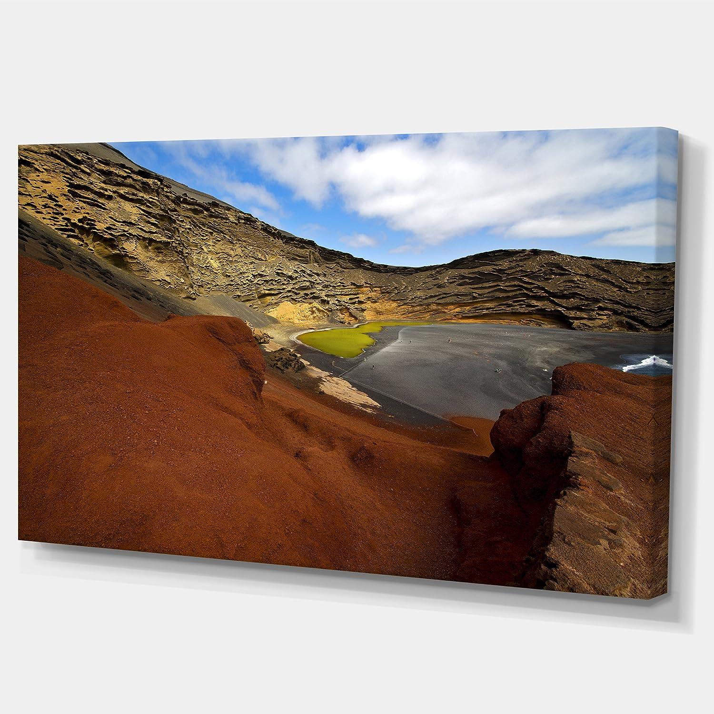 Amazon Com Designart In El Golfo Lanzarote Spain Musk Pond Contemporary Seascape Art Canvas 36x28in Multipanel 3 Piece 36x28 3 Panels Blue Home Kitchen