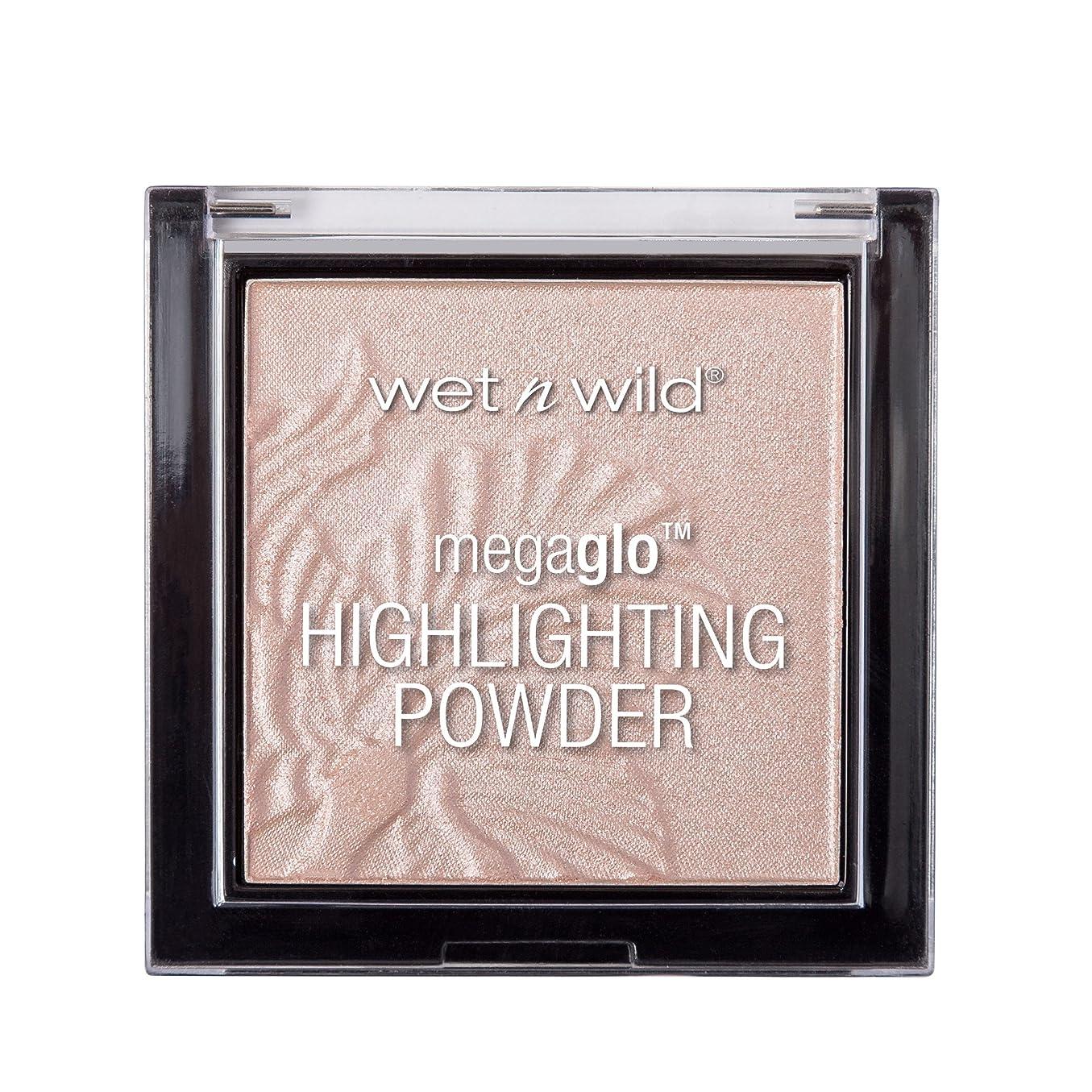 ブルジョン体放つWET N WILD MegaGlo Highlighting Powder - Blossom Glow (並行輸入品)