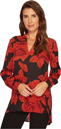 Vince Camuto - Long Sleeve Wood Block Floral V-Neck Tunic