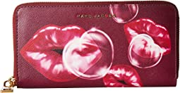 Marc Jacobs - Printed Lips Saffiano Standard Continental Wallet