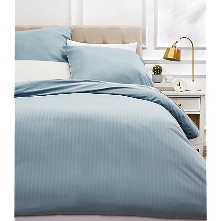 Amazon Basics Parure de lit avec housse de couette haut de gamme avec deux taies d'oreiller, 200 x 200 cm, Bleu spa