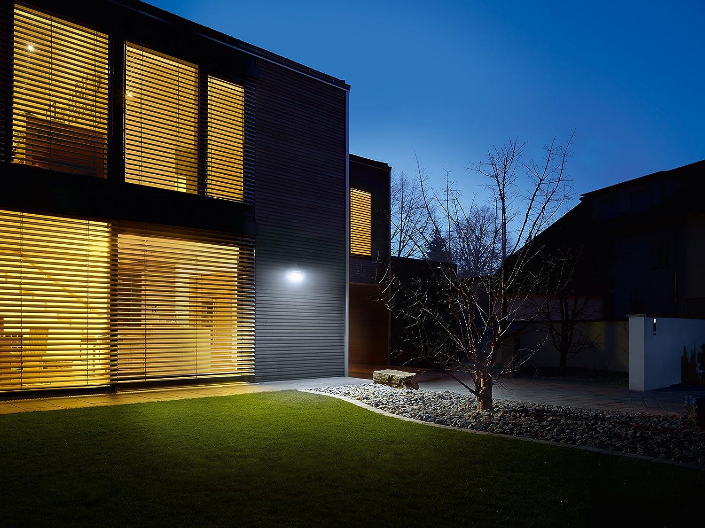 Steinel Solar-Außenleuchte XSolar L-S silber, 140° Bewegungsmelder, 8 m Reichweite, für Garten, Terrasse und Hauswand Weiß