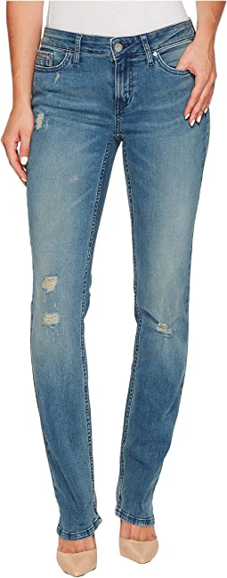 Straight Leg Jeans in Sandstorm Wash