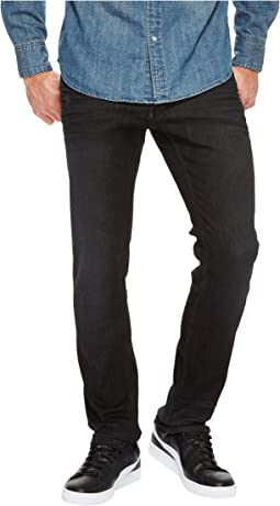 Calvin Klein Jeans - Slim Fit Jeans in Magnetic Black