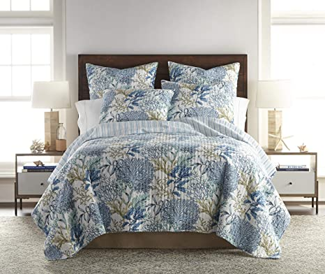 Amazon Com Levtex Home Mahina Quilt Set Twin One Standard Pillow Sham Coastal Taupe Blue And White Size 68x86in 26x20in Reversible Cotton Kitchen