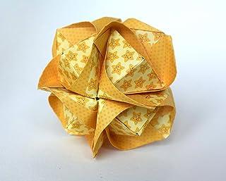 origami Clover Kusudama, 12 moduli gialla con motivo di stelline