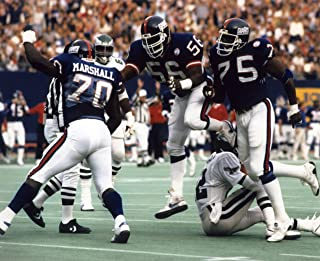 LEONARD MARSHALL & LAWRENCE TAYLOR NEW YORK GIANTS 8X10 SPORTS ACTION PHOTO (G)
