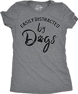 تيشيرت للنساء مطبوع عليه عبارة «Easily Distracted by Dogs» ومرح ومطبوع عليه عبارة «Cats Distracted by Dog»