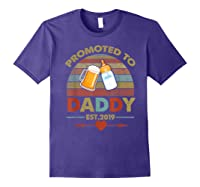 Promoted To Daddy Est 2019 Vintage Arrow T-shirt Purple