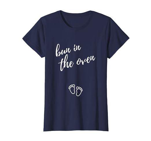 dbd11511 Amazon.com: Womens Pregnancy Announcement Shirt Bun In The Oven ...
