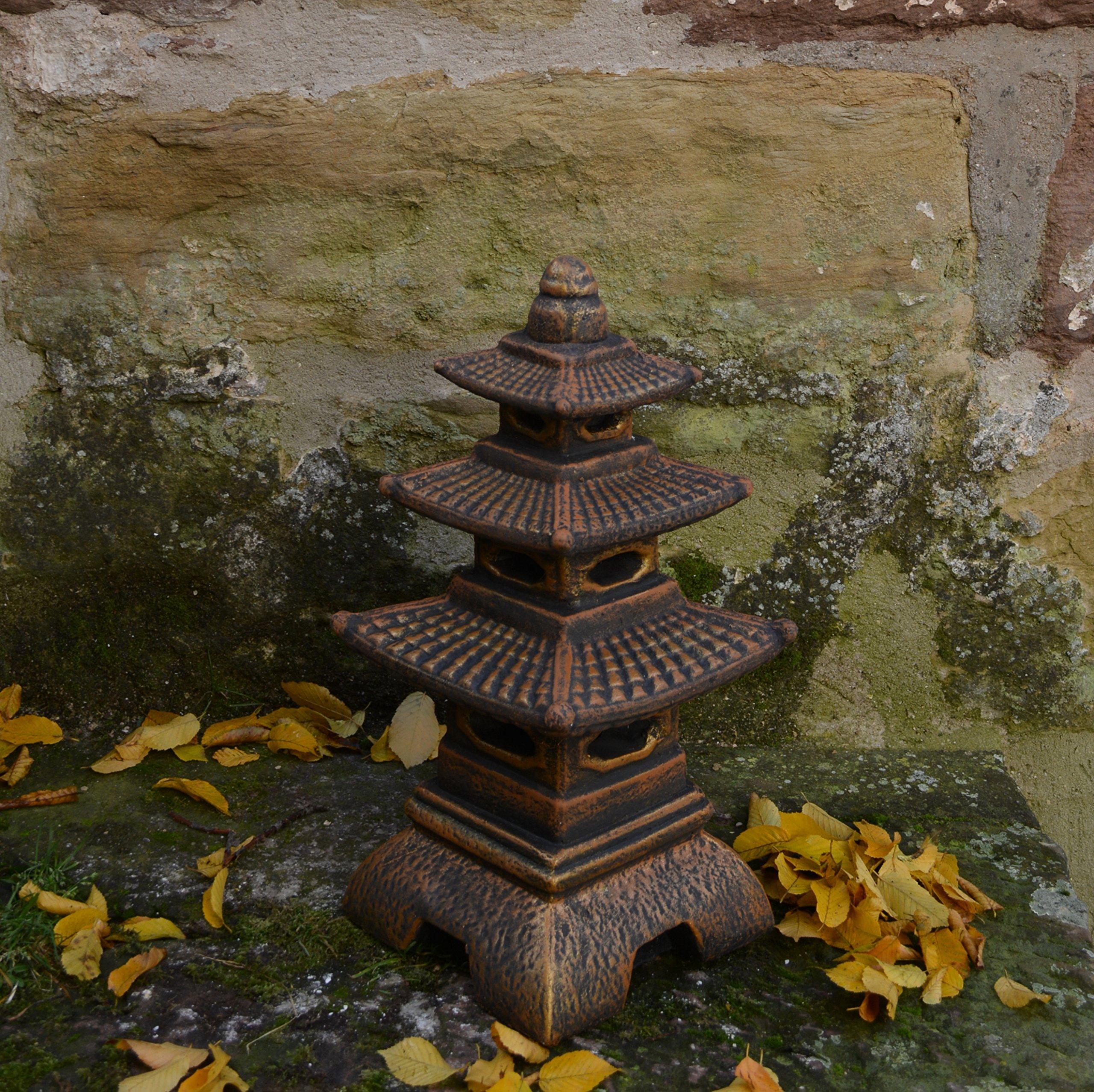 Masiva linterna japonesa de piedra con forma de pagoda, de piedra artificial, resistente a las heladas, dorado, 46 cm: Amazon.es: Jardín