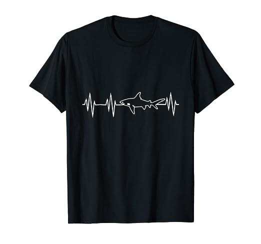 66d8a7fce20 Amazon.com: Shark Fin Heartbeat T-Shirt Gifts for Shark Lovers: Clothing