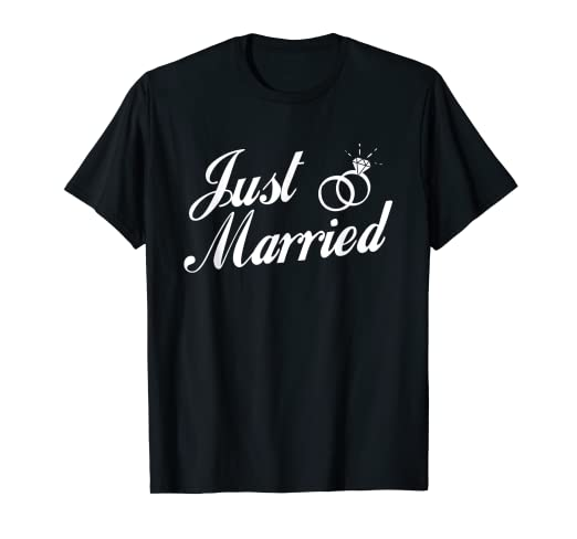 6bd8cc9d5 Amazon.com: Just Married Couple T-Shirt: Clothing
