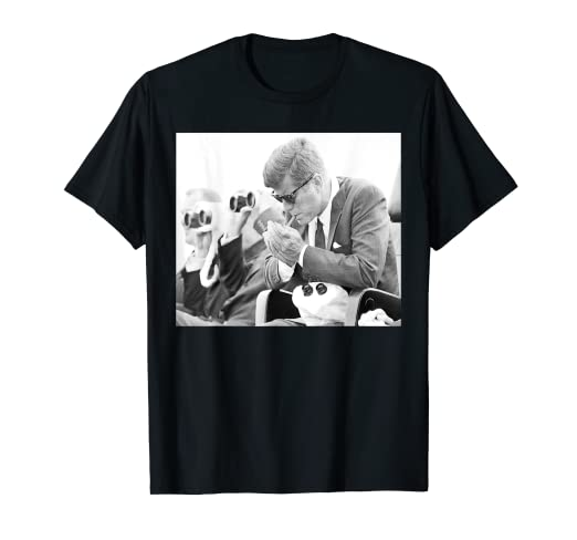 b9b0b6d42ec Amazon.com  Mens John F Kennedy 35th President - JFK Smoking Cigar T ...