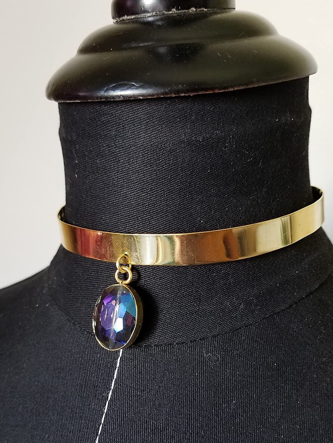 price Choker style necklace with crystal Large special price a pendant