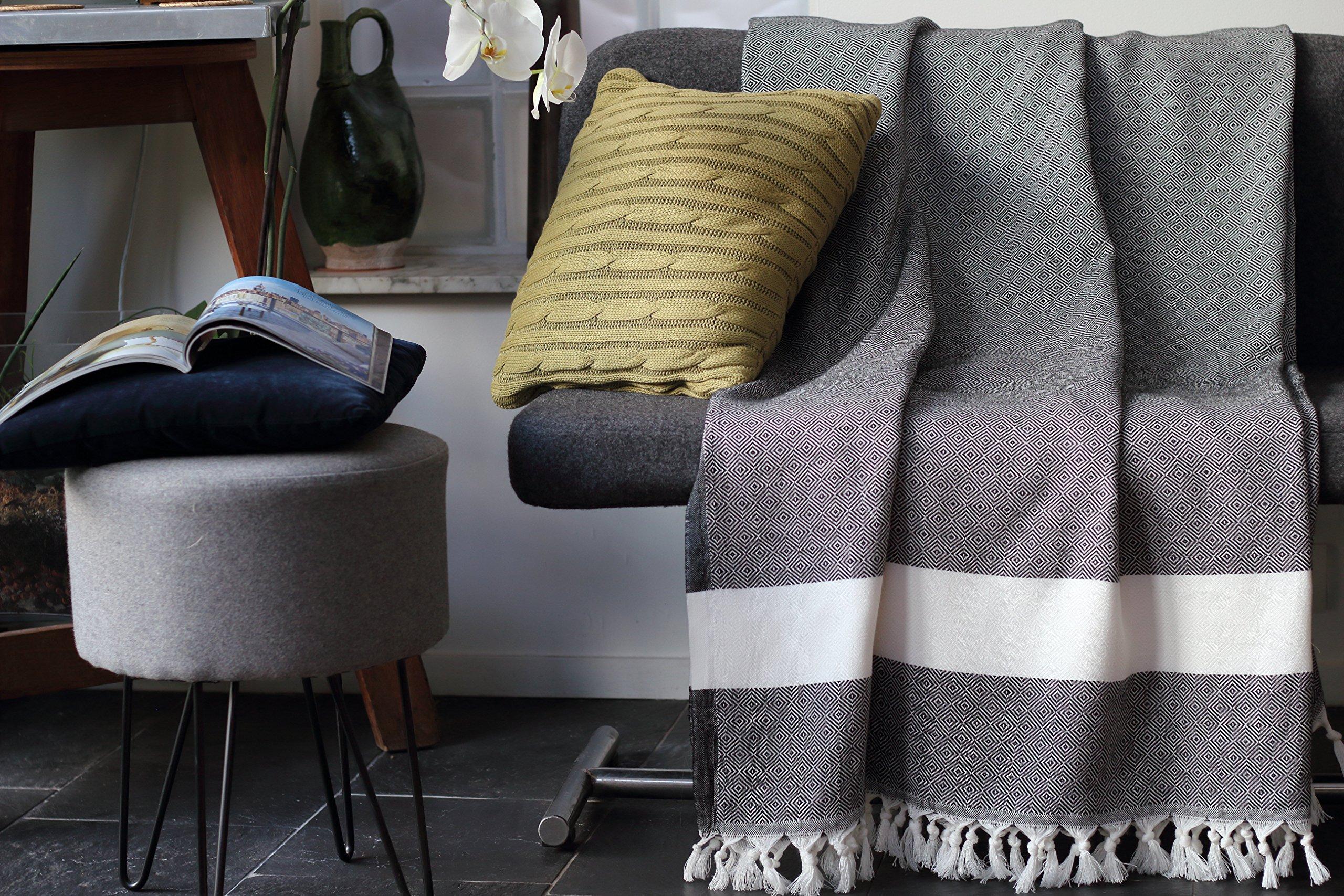 Allée Déco Funda para sofá, gris con flecos blancos | Talla XL 150 ...