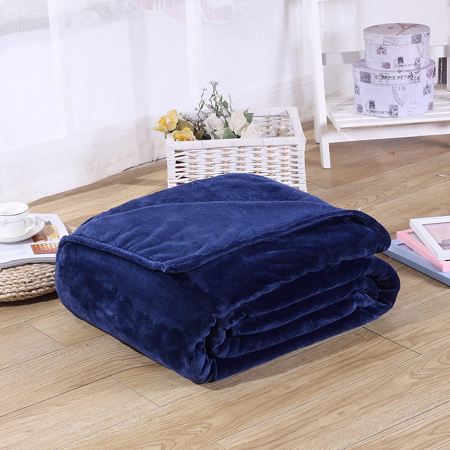 Super Soft Velvet Plush Throw, Fleece Flannel Home Couch Baby Warm Blanket, Popular Neutral colors, 27  X 39  (Navy bluee)