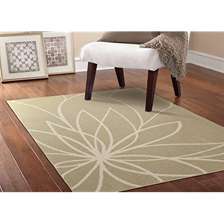 Amazon Com Garland Rug Grand Floral Area Rug 5 X 7 Tan Ivory Furniture Decor