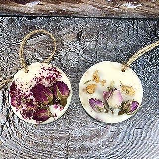 Profumatore naturale per armadi e cassetti in cera di soia e oli essenziali alla rosa con roselline essiccate in due varia...