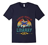 Vintage Everyday Should Be Library Day Owl Reading Book Gift T Shirt Navy