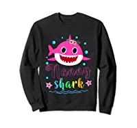 Nanny Shark Doo Doo Doo Shirt Matching Family Shark T-shirt Sweatshirt Black