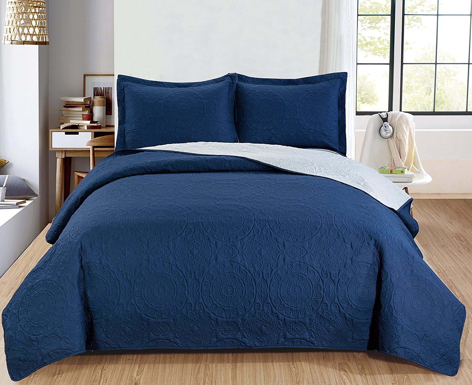 RT Designers Collection Quilt Set Lexington 3-Piece Reversible, King, Navy Grey
