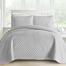 Comfy Bedding Oversized and Prewashed Lantern Ogee Quilted 3-Piece Bedspread Coverlet Set (King/Cal King, Light Grey)