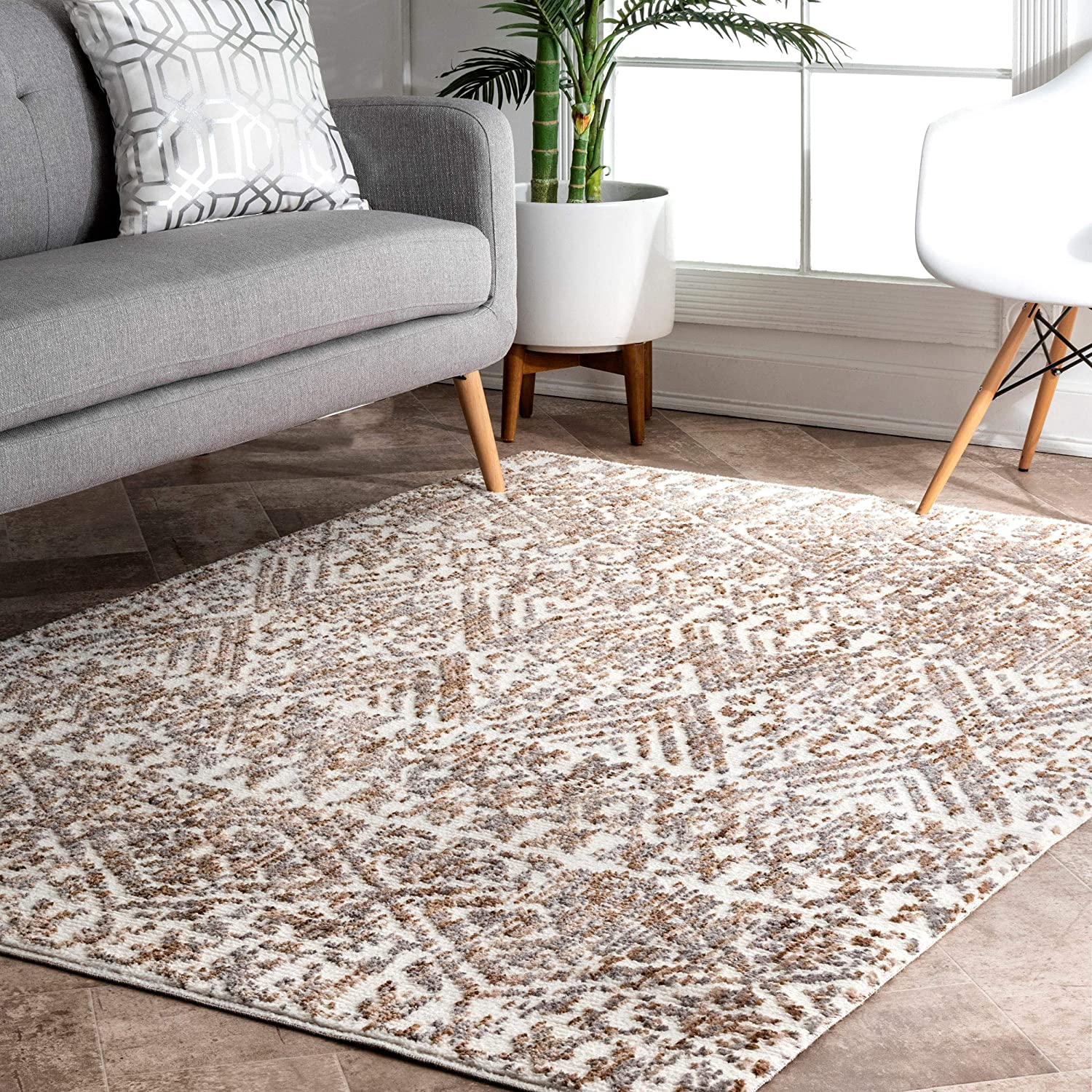 nuLOOM Max 65% OFF Roxanne Tribal Area Rug Popular brand in the world 6' Beige 4' x