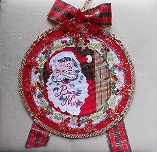 Ghirlanda fuoriporta natalizio con babbo Natale fatta a mano. decorazione natalizia ricamata a punto croce. decorazione ca...